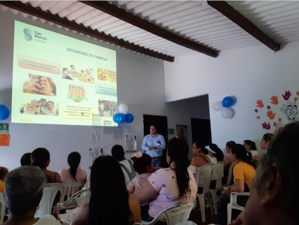 San Martín promueve la seguridad laboral en sus proyectos en Colombia